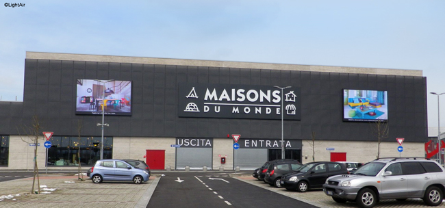 Maisons Du Monde Continue L Implantation De Nos Lightbox Lightair