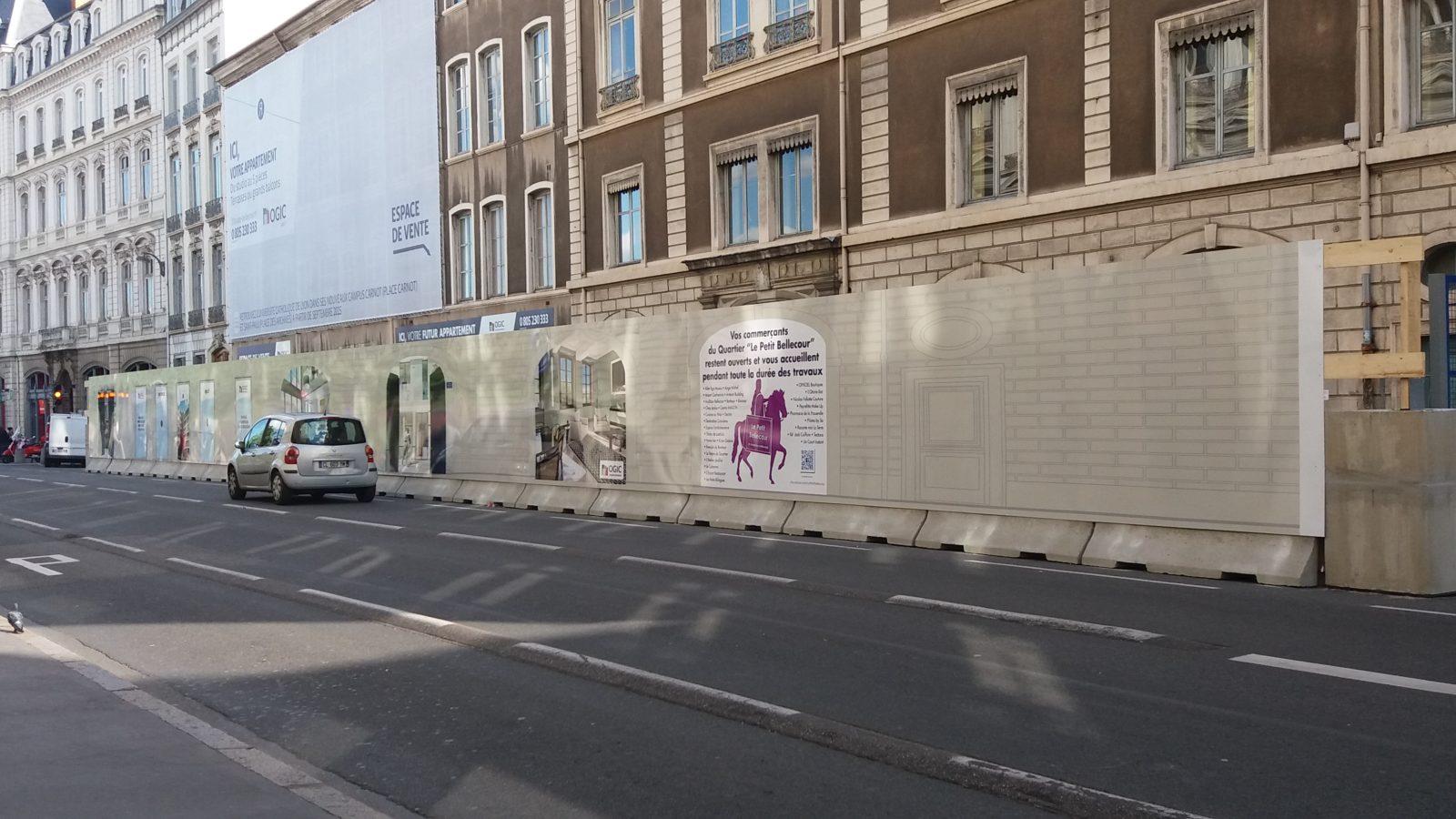 Palissade de chantier en trompe l'oeil pour ogic place Bellecour à Lyon